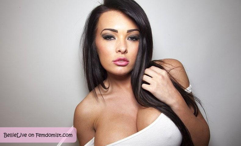 Woman giving penis ratings on webcam