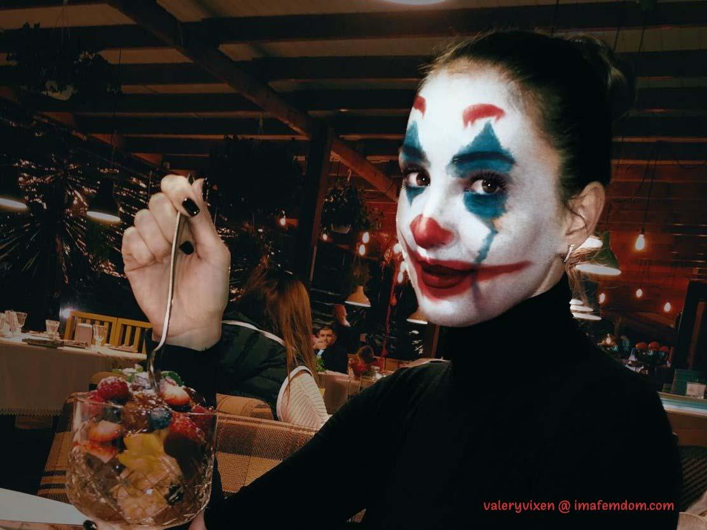 Cuckoldress Clown Cam