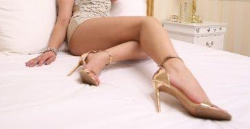 Mistress Cindy's feet on cam.