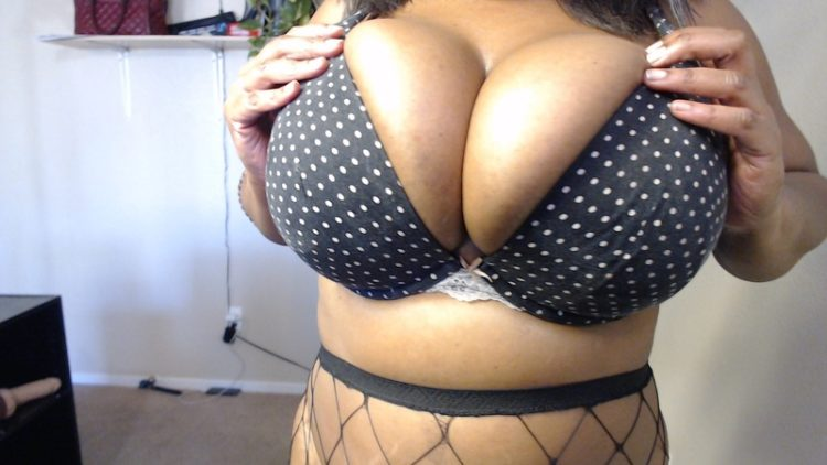 Modeling big black tits for worship.