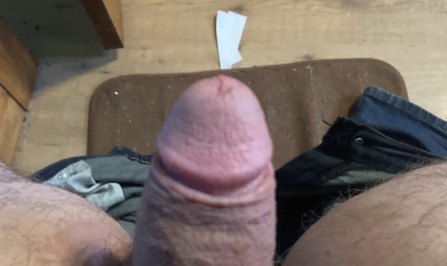 3 inch dick jerks off listening to wife with her bull