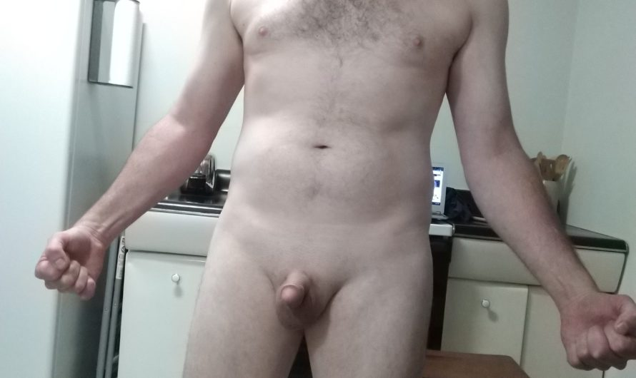 Oops! I showed my tiny cock to the world!