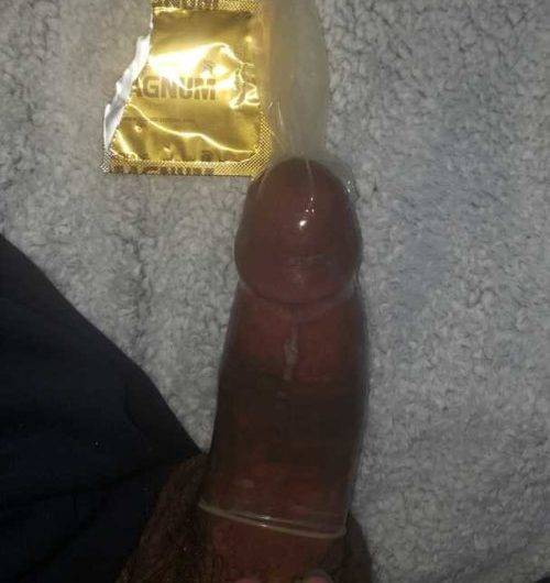 Disappointing black dick fails the condom challenge