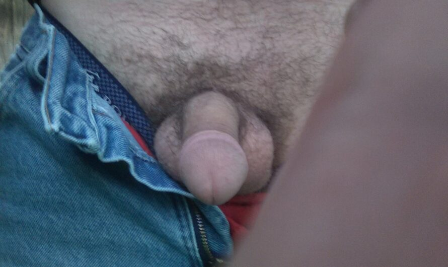 Outdoor mushroom cock flashing again