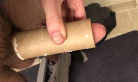 Skinny dick virgin does the toilet paper test