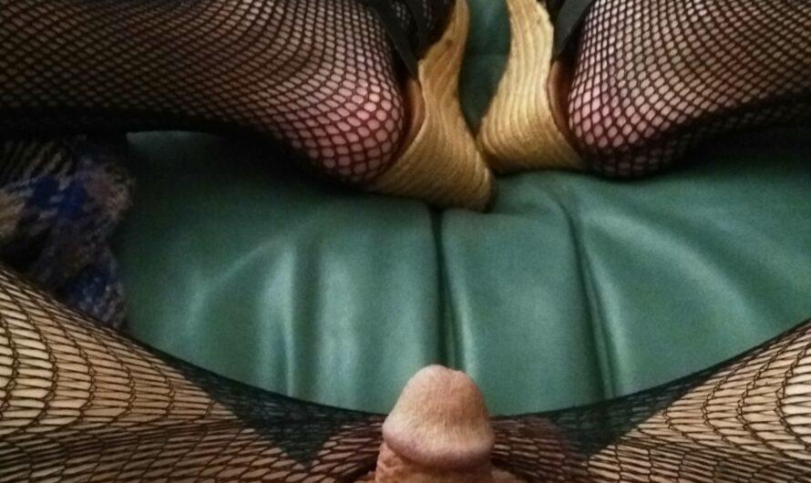 Cuckold Sissy Nubbin'