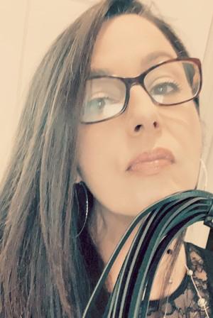 CFNM fetish webcam shows for submissive men