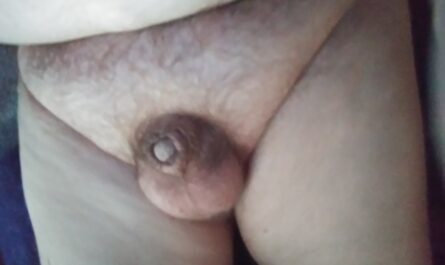 Tiny little button dick is pussyfree